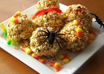 Halloween popcorn balls